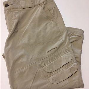 Columbia Titanium Cargo/Capri  Pants Size 6